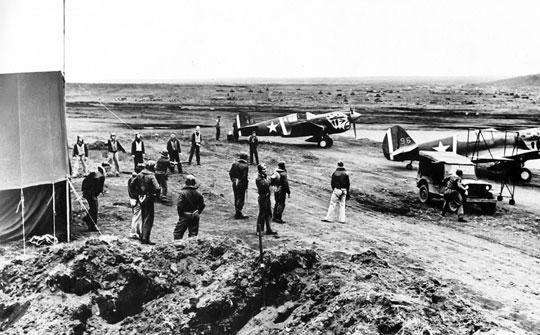 Bazujące w Otter Point (Umnak) myśliwce P-40E należące do 11. Eskadry.
