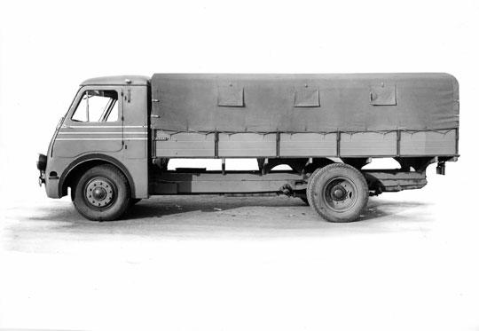 Prace nad polskim samochodem ciężarowym 3 t ruszyły dopiero w drugiej połowie lat trzydziestych. Umowa licencyjna z Fiatem nie gwarantowała wytwarzania tego typu pojazdów w kraju.