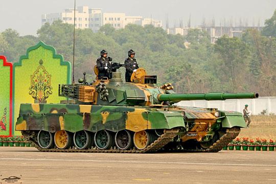 Czołg podstawowy VT-1A należący do Sił Zbrojnych Bangladeszu.