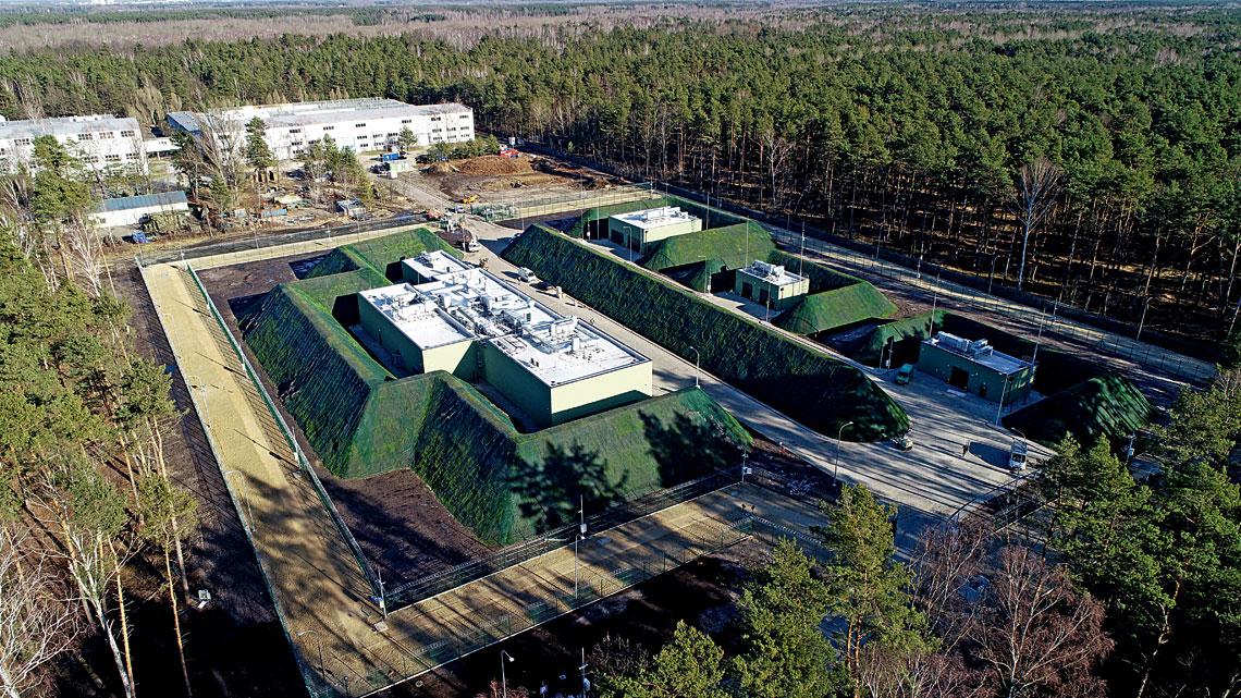 Centrum Produkcyjno-Serwisowe Pocisków Rakietowych NSM, największy jak dotąd projekt realizowany przez Wojskowe Zakłady Elektroniczne S.A. wZielonce. Stan zwiosny 2020r.