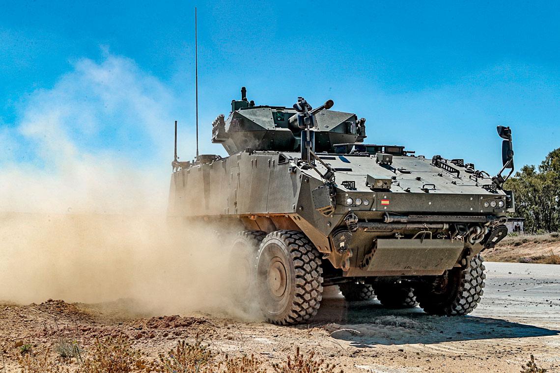 Hiszpańskie wojska lądowe zdecydowały, że wersja bojowa VCR 8×8 Dragón będzie miała wieżę bezzałogową z 30 mm armatą. Na zdjęciu demonstrator D2 z wieżą Samson Mk2 izraelskiej firmy Rafael.