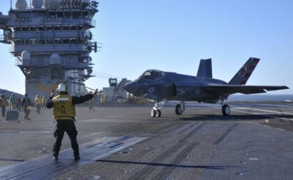 Więcej F-35C Lightning II na lotniskowcach US Navy