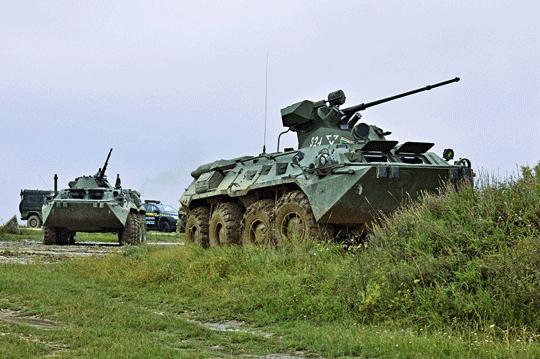 Zasadnicze środki transportu węgierskiej piechoty zmechanizowanej na polu walki przez ostatnich kilkanaście lat stanowiły rosyjskiej produkcji BTR-80 iBTR-80A. Pomimo zrealizowania pewnych zabiegów modernizacyjnych, dziś mocno odstają one od potrzeb współczesnego pola walki.