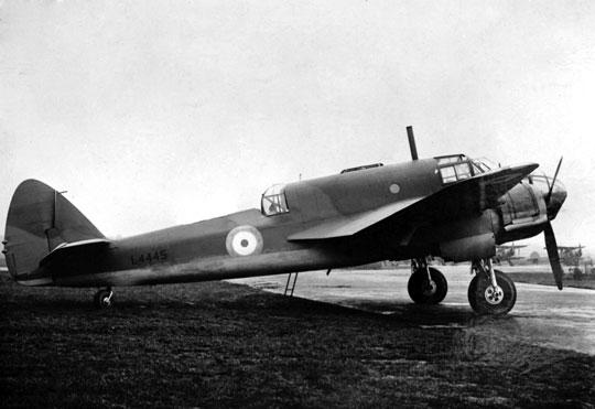"""Widoczny na zdjęciu L4445 był piątym """"prototypem"""" Beauforta i jednocześnie piątym egzemplarzem seryjnym."""