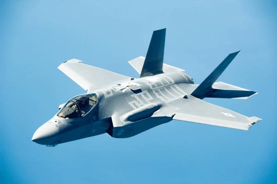 Dziś nie ma wątpliwości, że pandemia i inne polityczne decyzje nie pomagają wprodukcji samolotów myśliwskich F-35 Lightning II zgodnie zplanem.