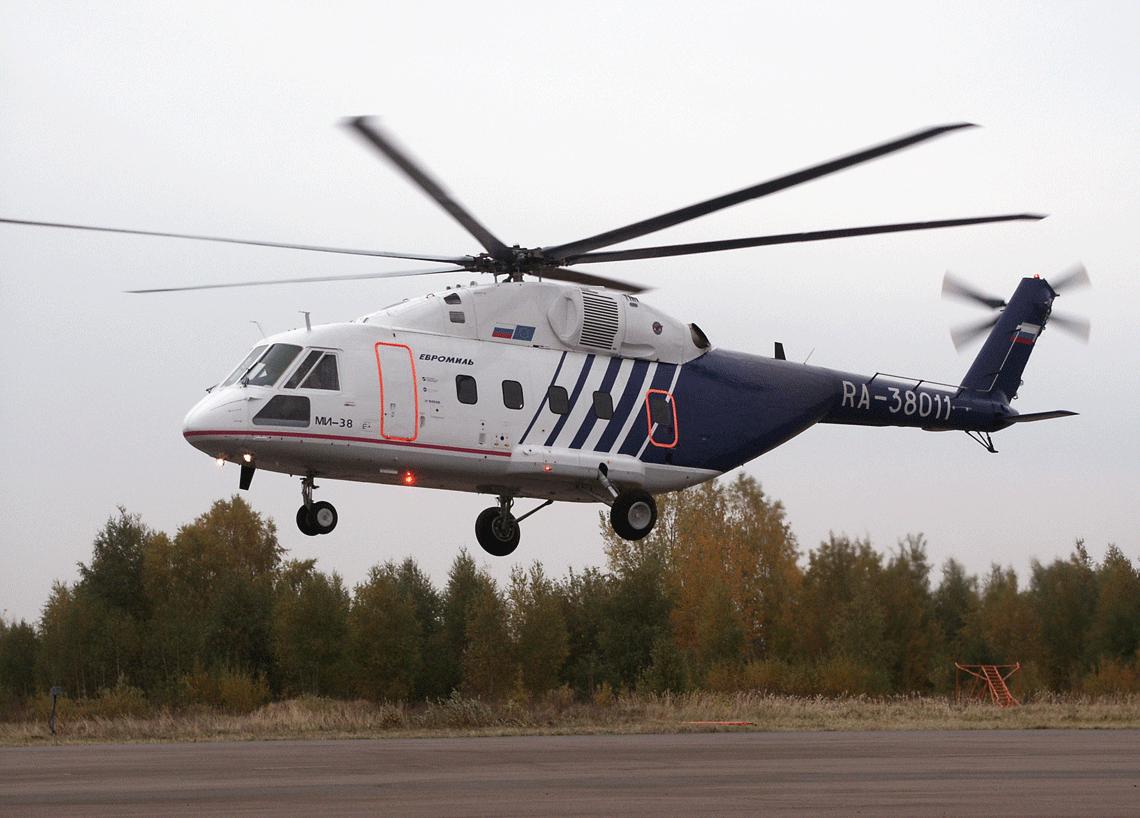 Pierwszy prototyp  Mi-38 OP-1 z rejestracją RA-38011,  napędzany kanadyjskimi silnikami PW127/5, po raz pierwszy wzbił się wpowietrze wKazaniu 22 grudnia 2003 r.