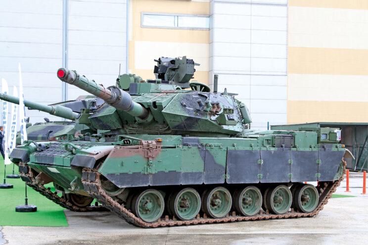 M60T1 zaprezentowany w maju 2017 r. Na pierwszy rzut oka widać nową wieżyczkę dowódcy i zdalnie sterowane stanowisko strzeleckie SARP zamontowane na wieży.