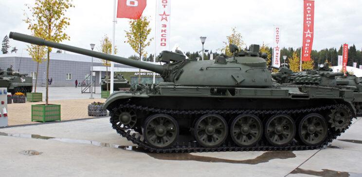 T-55A jednej z ostatnich serii produkcyjnych – z dalmierzem laserowym KDT-2.