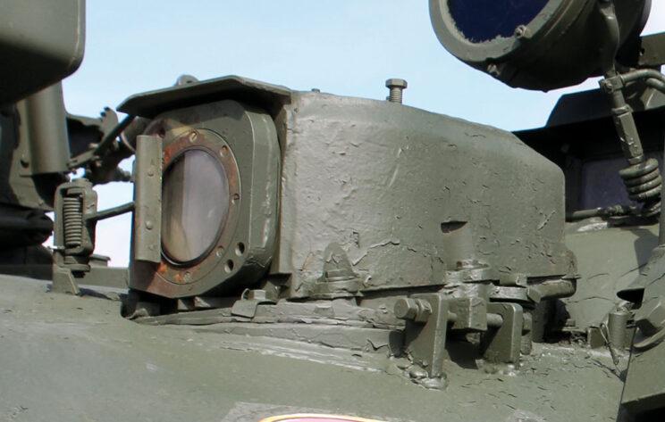Głowica celownika 1K13 czołgu średniego T-55AM.
