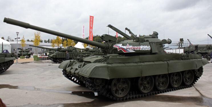 T-55AM bez termicznej osłony lufy.