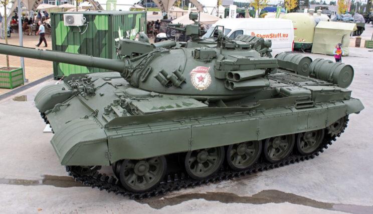 T-55AD z kompleksem samoobrony Drozd.