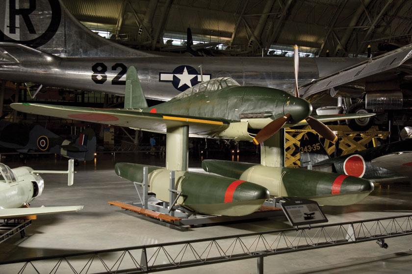 Aichi M6A1 Seiran był jedynym w świecie samolotem uderzeniowym zaprojektowanym specjalnie do służby na okrętach podwodnych.