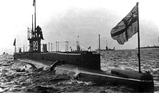 E9, okręt kmdr. ppor. Maxa Hortona, jednego z asów floty podwodnej Royal Navy podczas I wojny światowej, następnie dowódcy tej floty w latach 1940-1942.