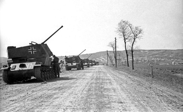 Nimrod – najlepsze samobieżne działo przeciwlotnicze armii węgierskiej; 1941 r. (używane również w roli niszczyciela czołgów).