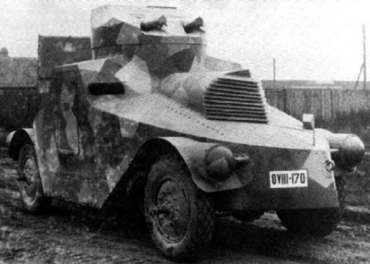 """Škoda PA-I, zwana """"Žehlička"""", czyli """"żelazko"""". Dwa prototypy wpisano na stan wojska i używano ich do szko- lenia aż do 1939 r."""