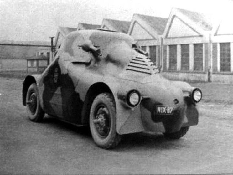 """Škoda PA-II """"Želva"""", czyli OA vz. 23, czyli samochód pancerny wzór 1923. Dziewięć egzemplarzy służyło w armii aż do 1937 r., gdy przekazano je policji czechosłowackiej i rozlokowano po trzy wozy w Libercu, Mostach iOstrawie, z myślą o użyciu przeciwko krnąbrnym mniejszościom narodowym."""