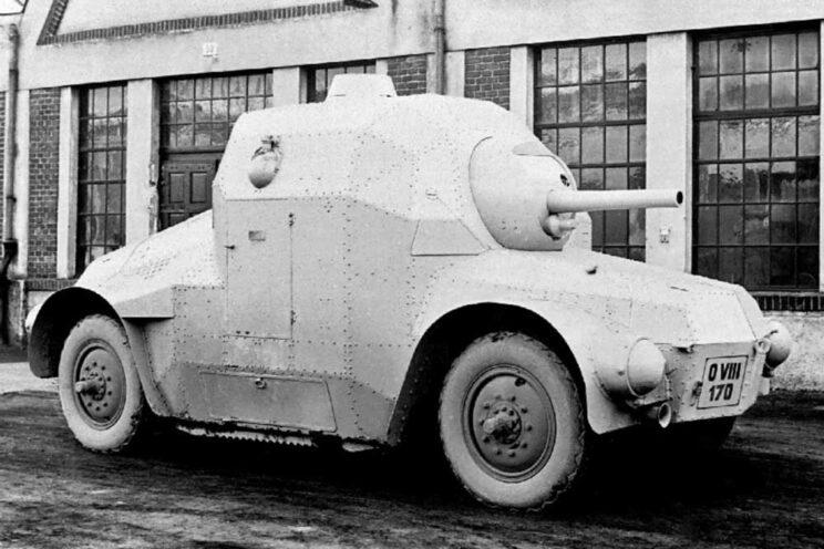 PA-II-děl to prototyp pancernego żółwia uzbrojonego w 75 mm działo (dělo). Pojawił się w 1927 r., ale proces decyzyjny trwał aż do połowy lat trzydziestych, gdy dostępne były czołgi.