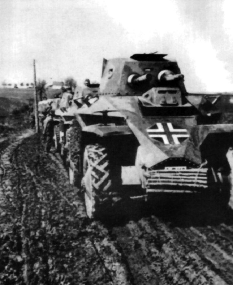 Samochody pancerne Węgierskiego Korpusu Szybkiego na Ukrainie; lipiec 1941 r.