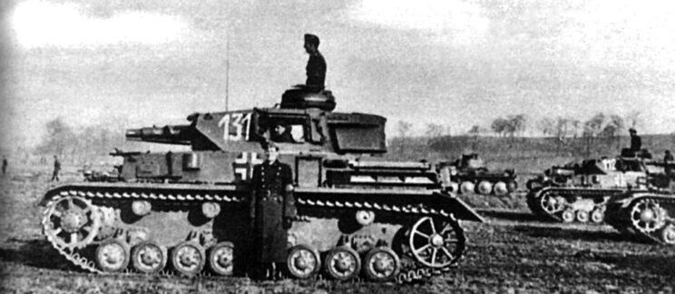 PzKpfw IV Ausf. F1. Podobnie jak Wehrmacht, także węgierska 1. Dywizja Pancerna miała zbyt małą ilość odpowiednich pojazdów pancernych, aby w pełnym zakresie przeciwstawić się sowieckim KW i T-34.