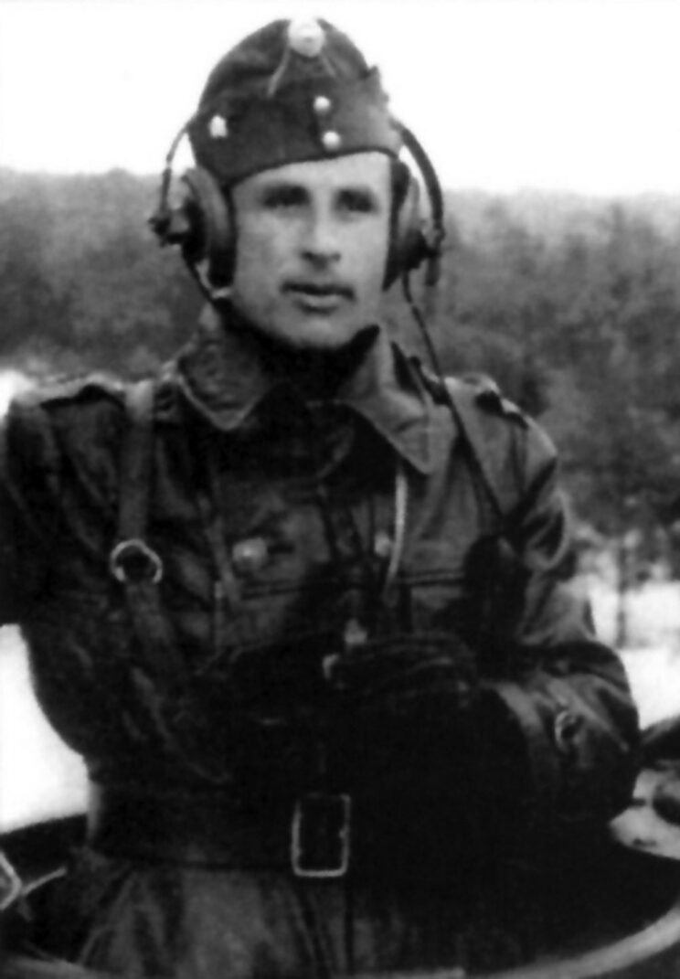 Albert Kovacs, jeden z najskuteczniejszych dowódców czołgów z 3. batalionu 30. pułku pancernego.