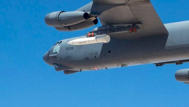 Makieta gabarytowo-masowa pocisku hipersonicznego Lockheed Martin AGM-183 Arrow. Fot. Edwards AFB