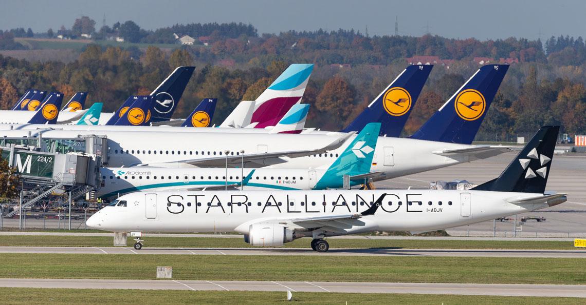 W ubiegłym roku, w odniesieniu do poprzedniego, ruch lotniczy liczony  wykonaną pracą przewozową pasażerów wzrósł o 4,2%, a tonaż cargo  zmniejszył się o 3,3%.