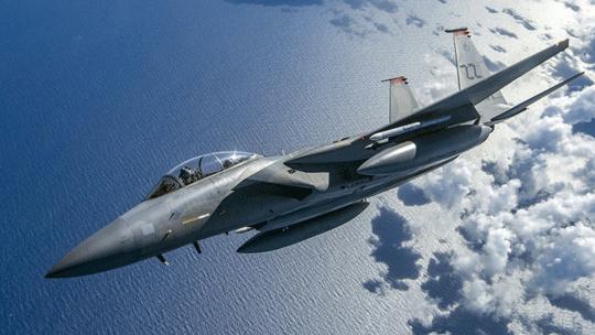 F-15 udowodnił swoją skuteczność w wielu konfliktach zbrojnych. Do dziś piloci latający na tym typie myśliwca zestrzelili ponad 100 samolotów iśmigłowców wroga.