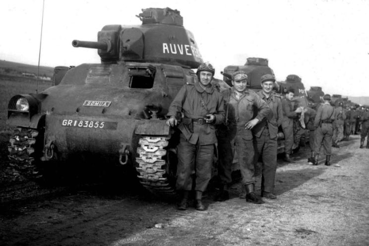 Produkcja czołgów SOMUA S35 ruszyła w końcu 1936 r., zgodnie z programem technicznej modernizacji wojsk lądowych, zakładającym zbudowanie 600 SOMUA S35 dla jednostek kawalerii...