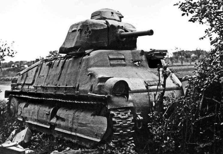 Należący do 3e Division Légère Mécanique czołg kawaleryjski SOMUA S35 – kolejny wóz tego typu stracony w kampanii francuskiej w 1940 r.