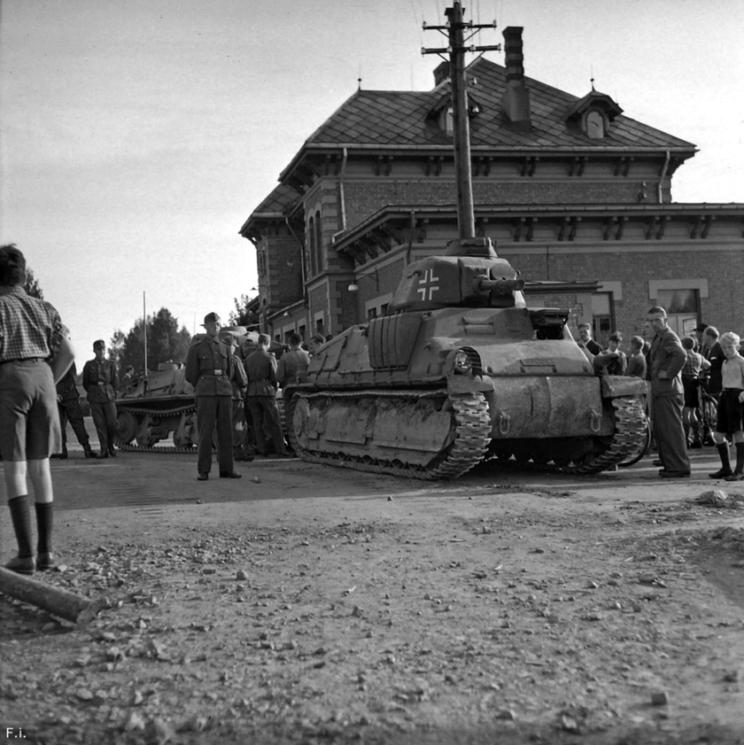 SOMUA S35, mimo pewnych wad eksploatacyjnych, był najbardziej udanym typem czołgu francuskiego, jaki wszedł do walki w maju 1940 r. Dlatego też w służbie niemieckiej przetrwał bardzo długo.