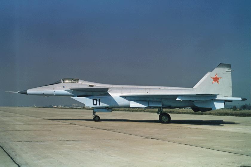 MiG MFI miał być radzieckim odpowiednikiem amerykańskiego ATF, dzisiejszego F-22A. Skończyło się na jednym demonstratorze technologii 1.44, który wykonał zaledwie dwa loty. Fot. RSK MiG