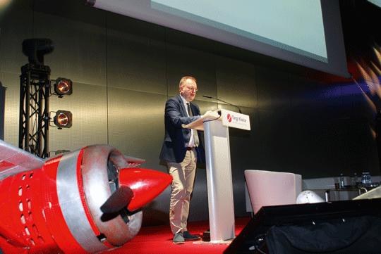 Profesor doktor habilitowany Stanisław Mikrut z Akademii Górniczo-Hutniczej w Krakowie podczas prelekcji na temat detekcji.