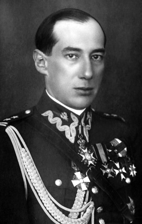 Od listopada 1918 r. w Wojsku Polskim. Stojąc na czele baterii konnej, do lutego 1919 r. walczył z wojskami ukraińskimi. Uczestnik wojennego kursu Szkoły Sztabu Generalnego w Warszawie – od czerwca do listopada 1919 r. W 1920 r. został szefem wydziału w Oddziale II Sztabu Generalnego WP. W latach 1922-1923 pełnił funkcję attaché wojskowego w Paryżu i Brukseli.