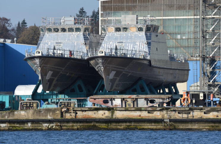 Para nieukończonych jednostek typu OPB40. Obecnie są one doposażane w hali Peene-Werft. Fot. Tomasz Grotnik