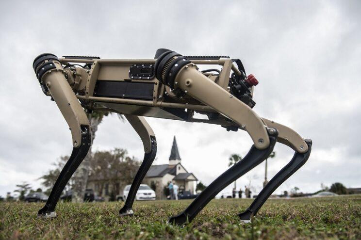 roboty typu V60 Q-UGV. Fot.: USAF