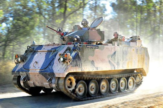 W ramach programu Land 400 Phase 3 Australian Army zamierza kupić 450 bojowych wozów piechoty i pojazdów towarzyszących, które zastąpią stare transportery gąsienicowe M113AS3/AS4.