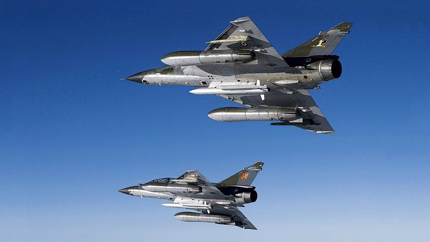 Samoloty Mirage 2000N francuskich Armée de l'air były w latach 1988–2018 nosicielami pocisków ASMP (zasięg 300km) i ich zmodernizowanej wersji ASMP-A (zasięg 500+ km) z głowicami jądrowymi. Obecnie pociski te przeno- szą samoloty Rafale, które wkrótce otrzymać mają nowy oręż tej kategorii – rakietę ANS4G o zasięgu rzędu 1000 km.