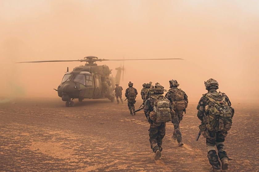 Wtakich warunkach operują śmigłowce NH90 Caïman ALAT-uidziałające wpółnocnej Afryce.