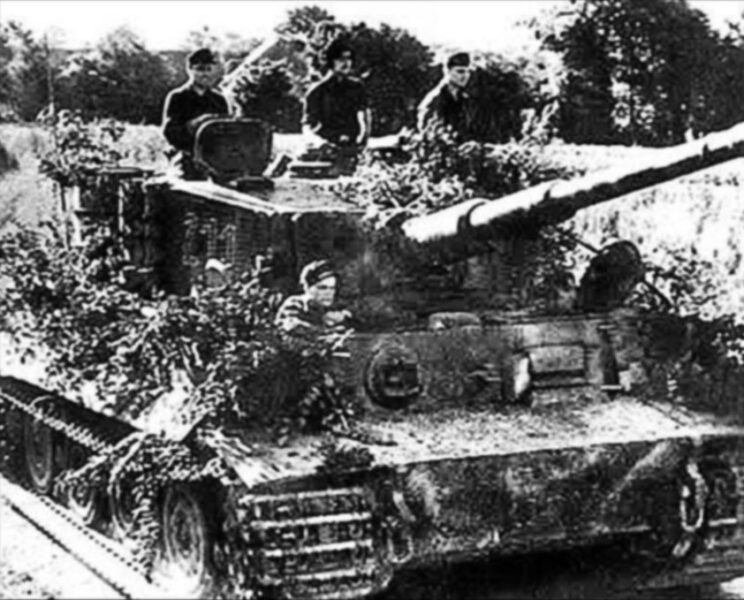 Węgierscy czołgiści w Tygrysie