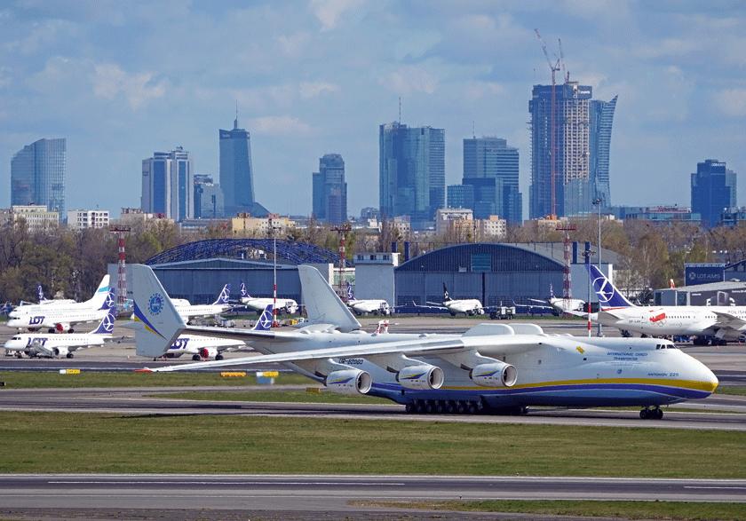 Ubiegłorocznym wydarzeniem na polskim rynku było lądowanie na Lotnisku Chopina samolotu An-225 zładunkiem 80 t materiałów medycznych z Chin.