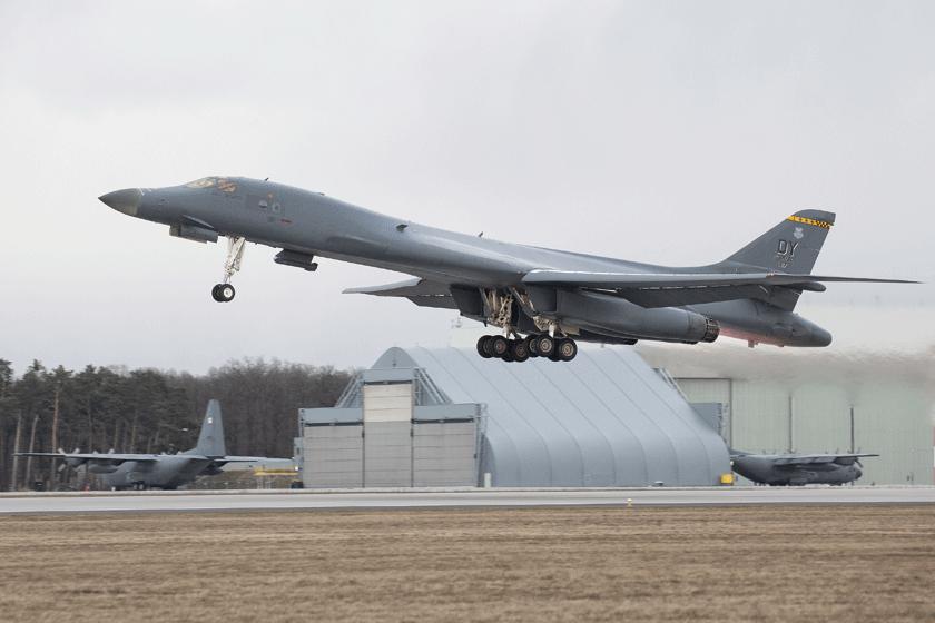 Z okazji wizyty B-1B w Powidzu minister Obrony Narodowej, Mariusz Błaszczak, napisał na Twitterze, że kolejna misja bombowca strategicznego B-1B Lancer potwierdza nieustającą gotowość USA do reagowania w naszym regionie.