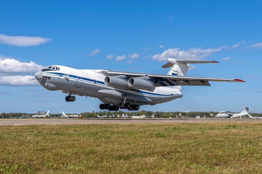 Od 50 lat ciężkie samoloty transportowe Ił-76 obsługują siły zbrojne, głównie Wojska Powietrzno-Desantowe, ZSRR i Rosji. Na zdjęciu wersja Ił-76M produkowana w latach 1978-1981.