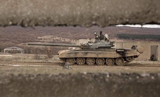 Współpraca bułgarskich T-72 z piechotą czy BMP-1 wciąż jest możliwa, ale wartość czołgów w pierwotnym standardzie jest iluzoryczna.
