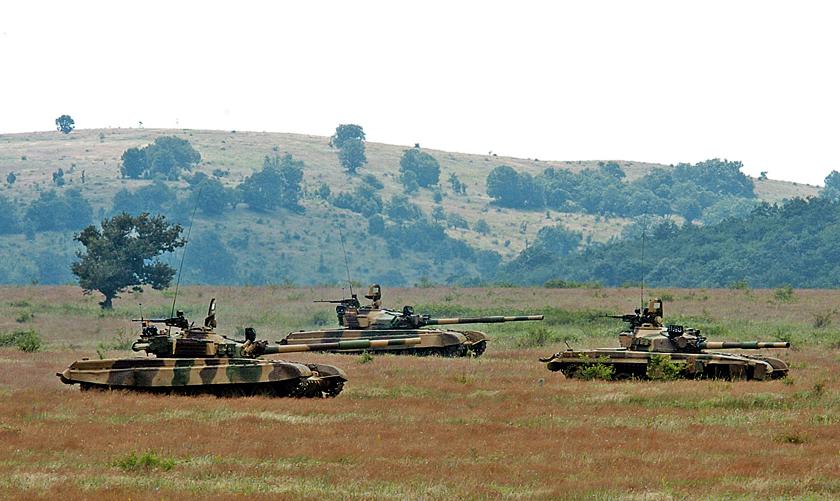 Jedynym czołgiem Wojsk Lądowych Republiki Bułgarii, pozostającym nadal wsłużbie, jest T-72. Wszystkie te wozy reprezentują standard schyłku lat 70. inigdy nie były modernizowane.