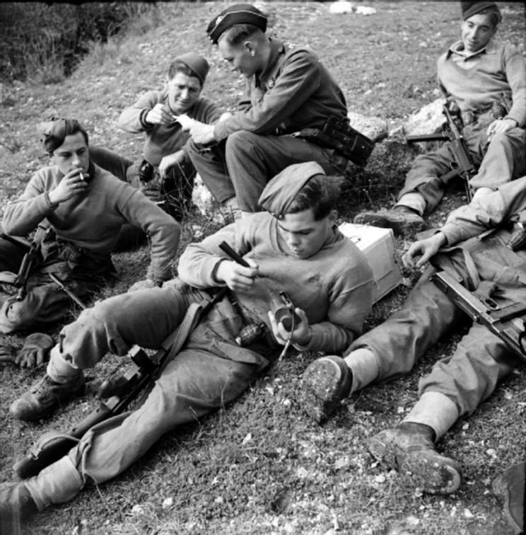 Brytyjscy żołnierze we Włoszech w 1943 roku