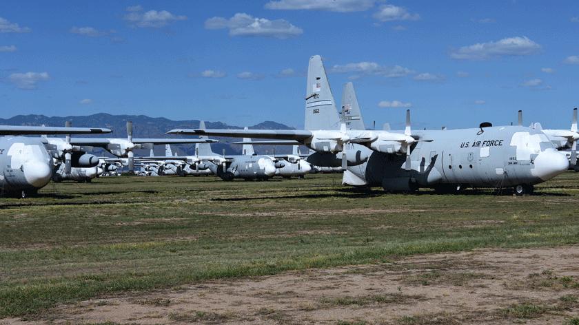 12kwietnia br. Ministerstwo Obrony Narodowej podpisało międzyrządową umowę zDepartamentem Obrony Stanów Zjednoczonych wramach procedury EDA, dotyczącą przejęcia pięciu samolotów C-130H Hercules pochodzących znadwyżek sprzętowych US Air Force. Przylecą one do Polski zbazy Davis-Monthan wArizonie, gdzie obecnie składowanych jest 60 tego typu maszyn.