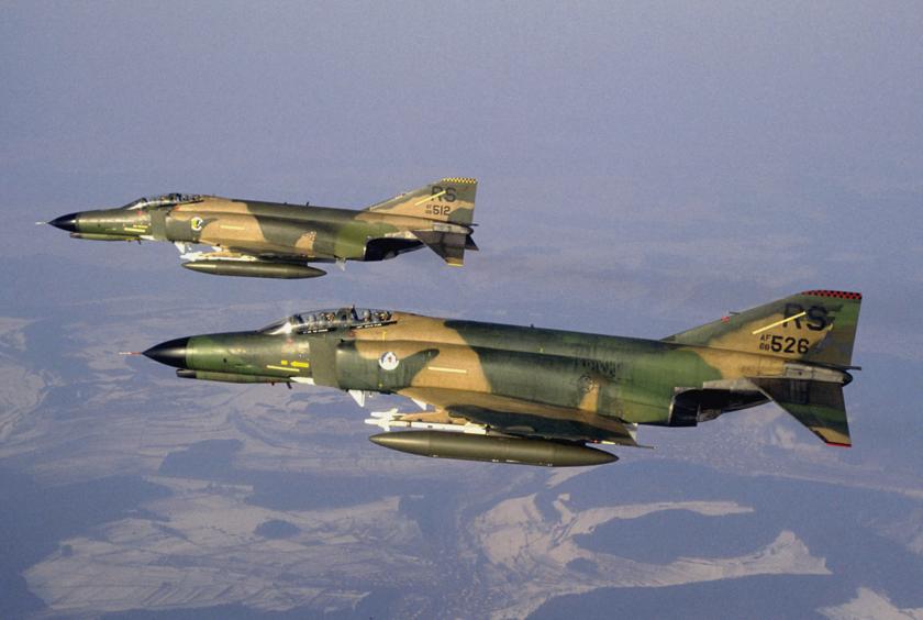 Myśliwiec F-4  Phantom II był najliczniej produkowanym samolotem firmy McDonnell iwogóle amerykańskim samolotem naddźwiękowym. Wlatach 1958–1979 w St. Louis wykonano 5057 egz.