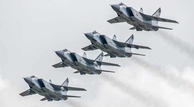 Stworzenie i wprowadzenie do wyposażenia lotnictwa rosyjskiego myśliwca przechwytującego dalekiego zasięgu PAK DP ma być zsynchronizowane  z kończeniem resursu iwycofaniem myśliwców MiG-31.