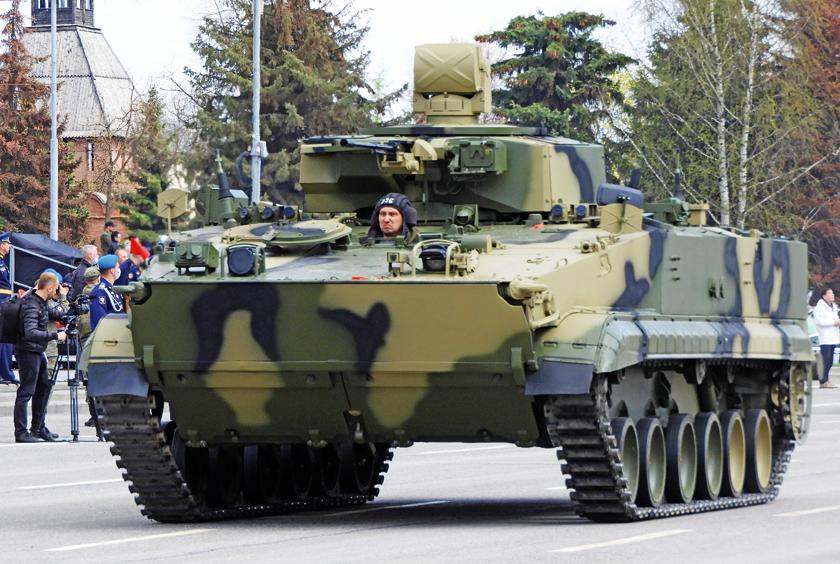 Pojazd rozpoznawczy PRP-2 na bazie bojowego wozu piechoty BMP-3. Fot. Siergiej Gurow.