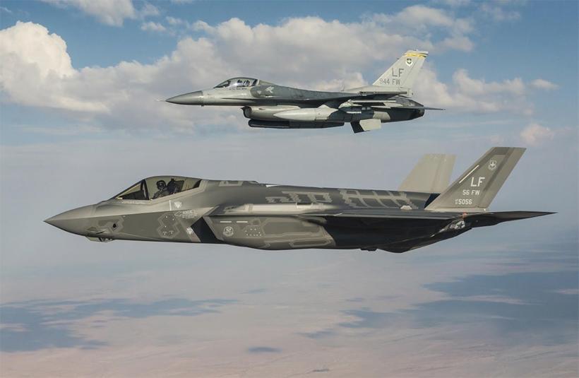 W 1991 r. US Air Force miały 4 tys. taktycznych samolotów bojowych w średnim wieku 8 lat, obecnie mają ich 2 tys.,  w średnim wieku 26 lat. Nie jest to sytuacja dobra.